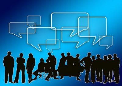 amigos fazendo networking